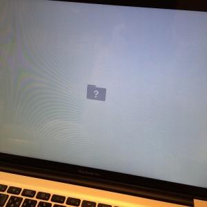 mac160109-12